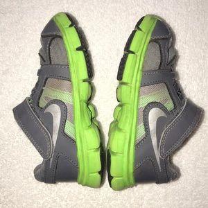 Nike Toddler Boys Athletic Shoes Size 7C